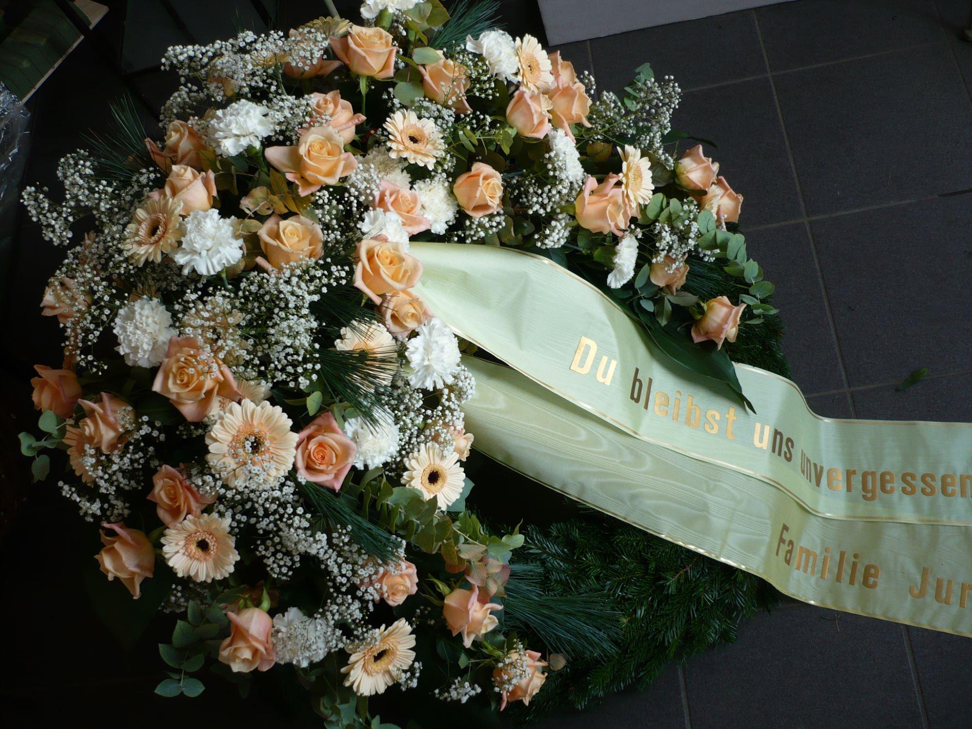 Klassischer Trauerkranz