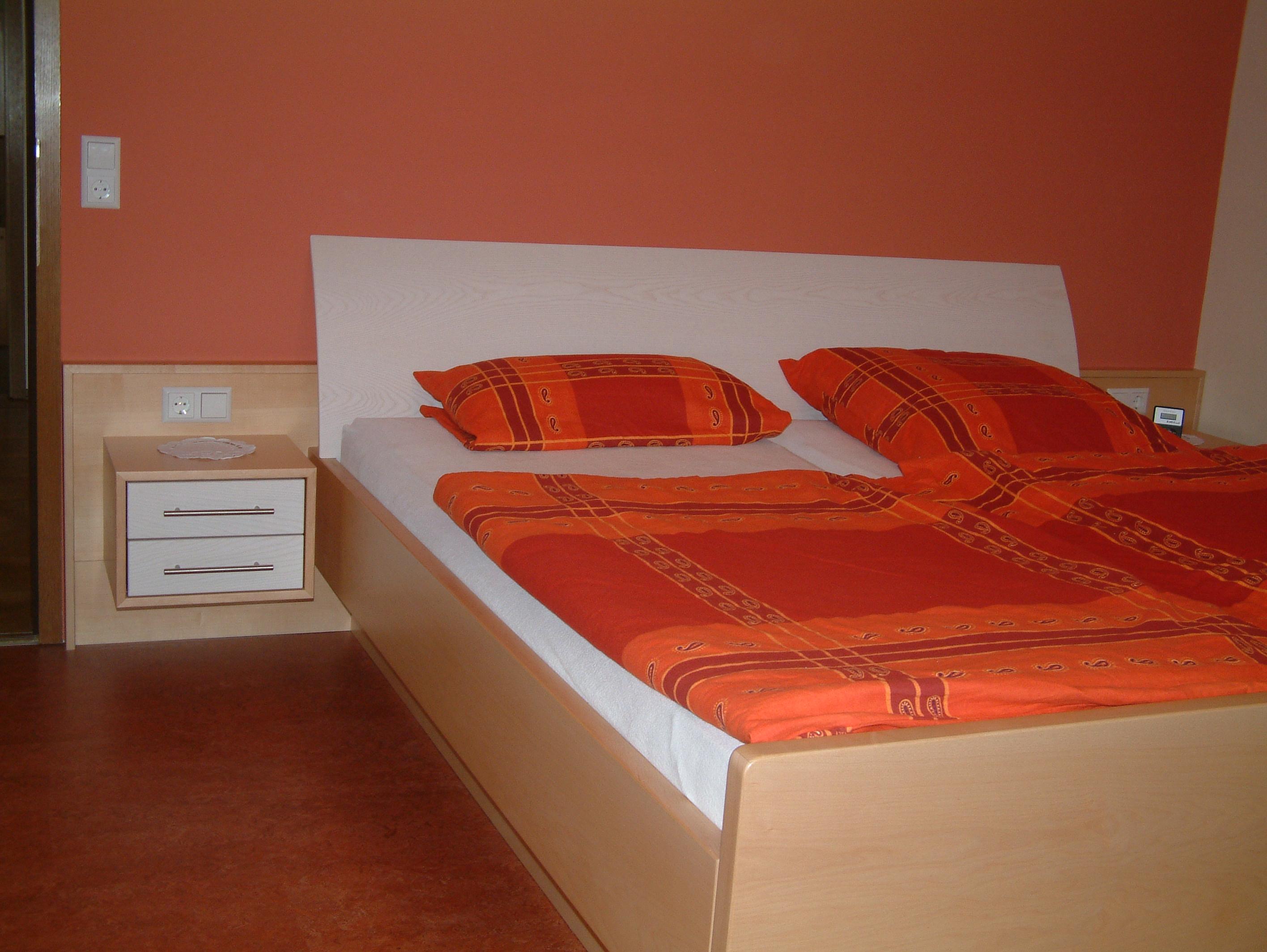 Schlafzimmer (22).jpg