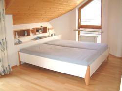 Schlafzimmer (6).jpg