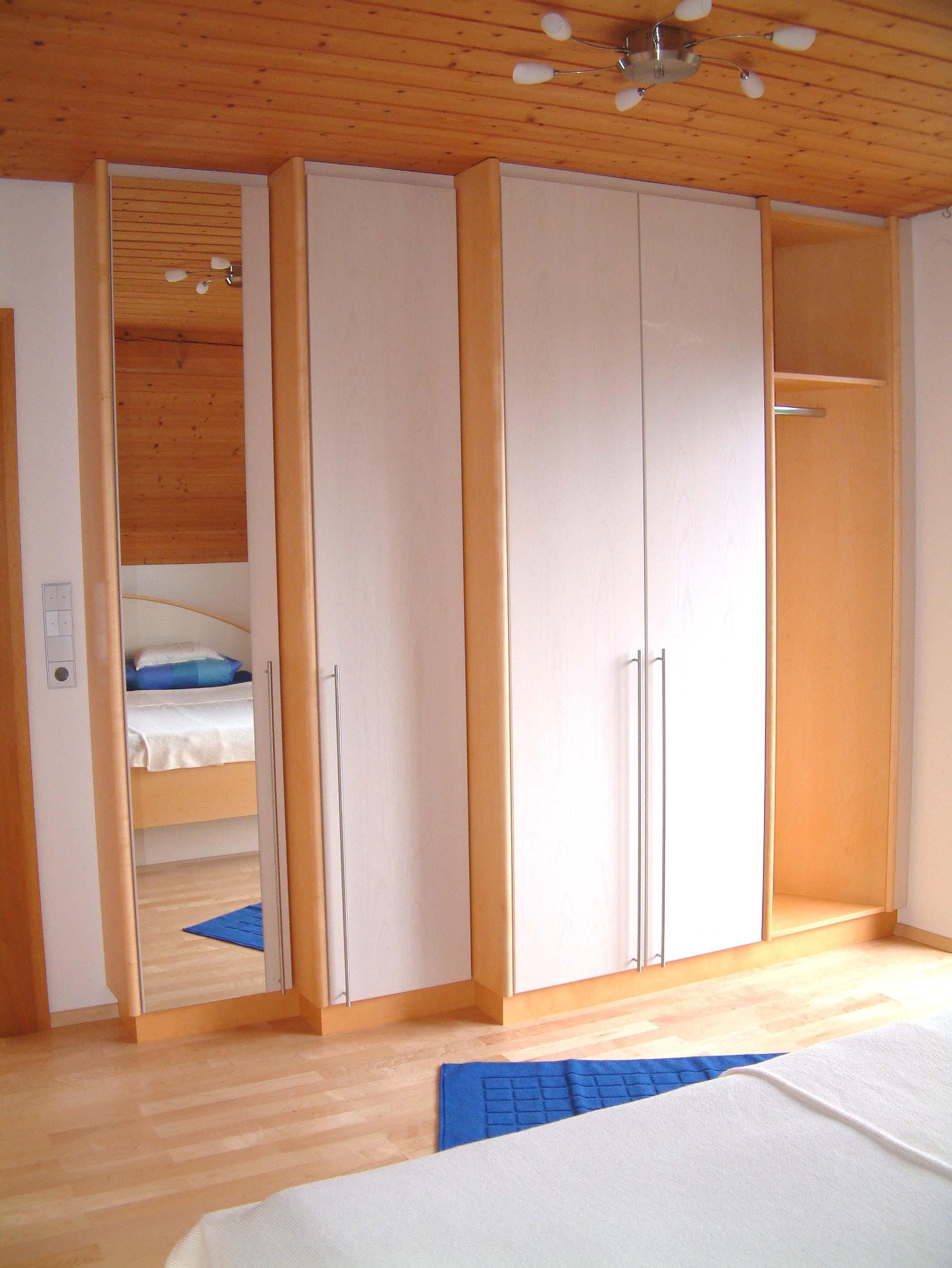 Schlafzimmer (20).jpg