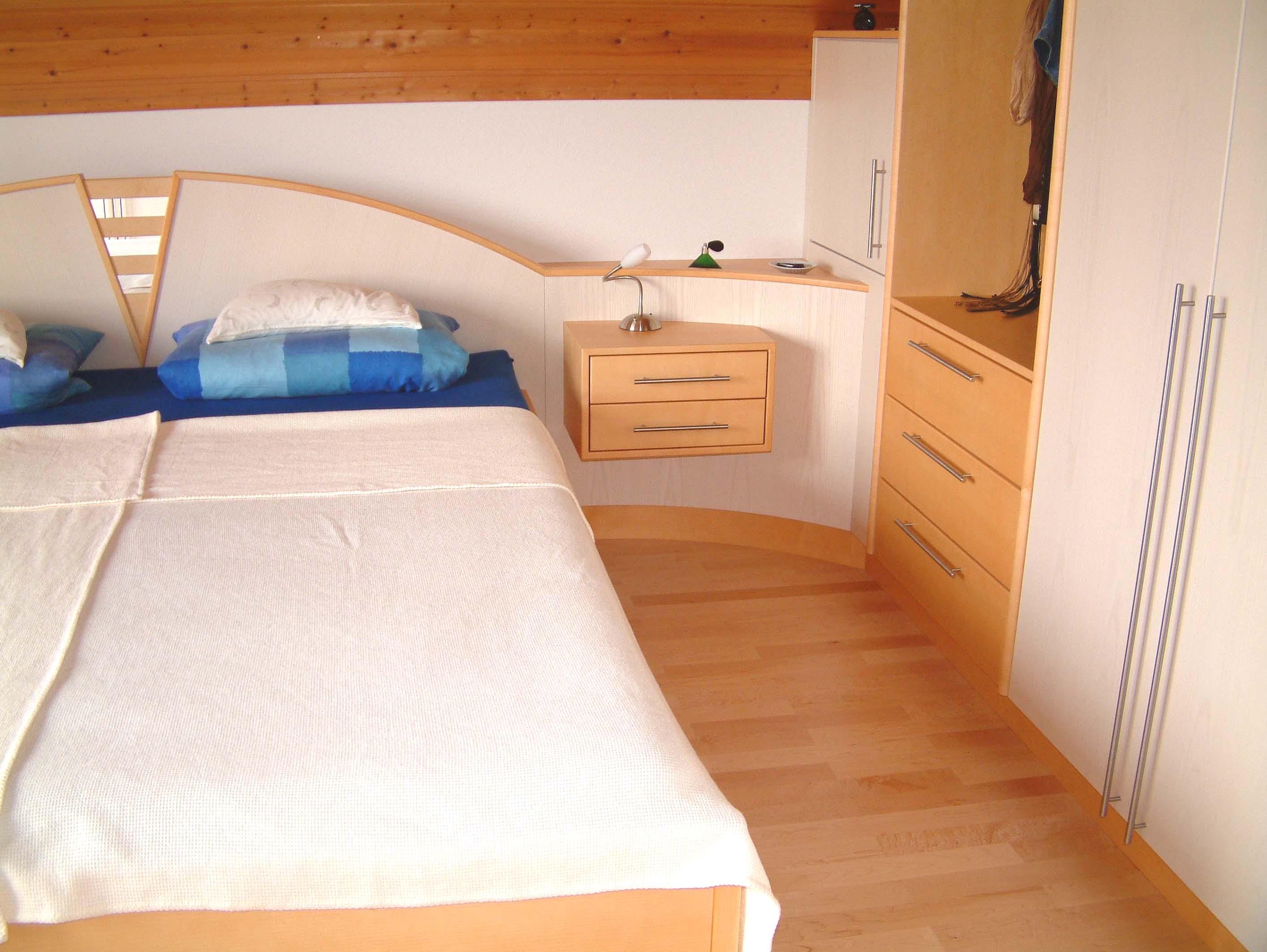 Schlafzimmer (17).jpg