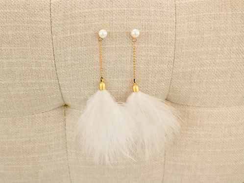 Lilly Pearl Earrings with White Feather Tassel
