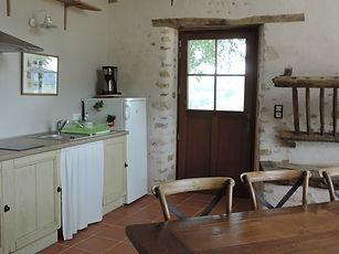 kitchenette  salle d'accueil marimpoey B