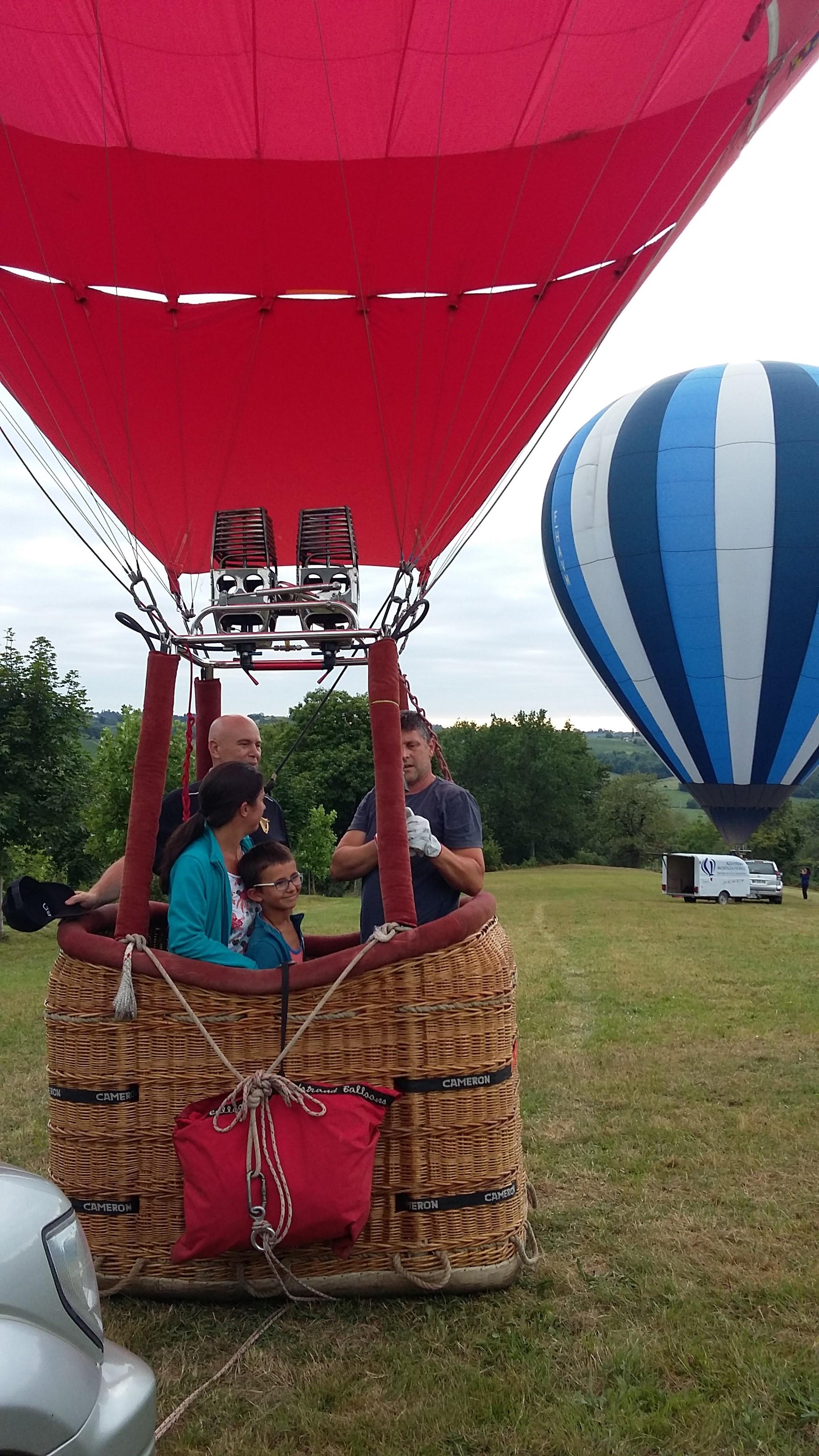 Départ en montgolfière