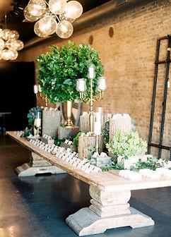 wedding planner chicg creates a beautiful escor card table