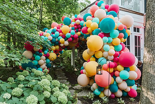 Balloon entrace to a 40t birthday paty planndby the best event panner chicago