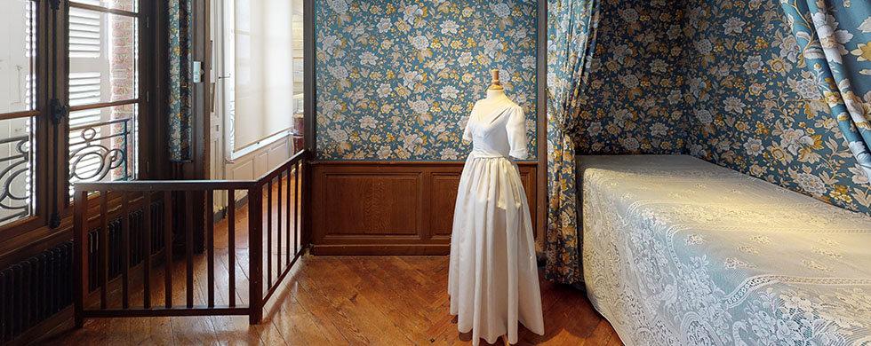 Maison-Victor-Hugo-Bedroom.jpg