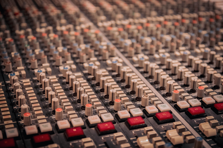 Studio A - Console SSL4000E