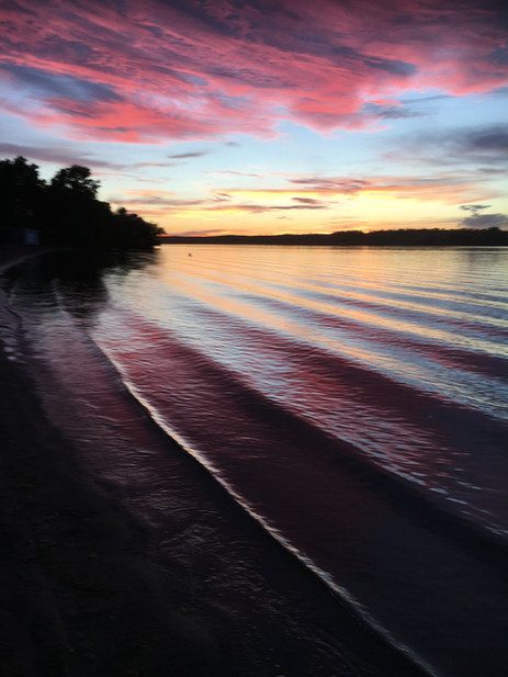 Photo of a sunset at Blackstrap provincial park.