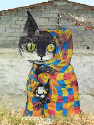 """FANZARA, SPAIN: """"MIAU"""" MARRIES STREET ART & CATS, BREAKS INTERNET"""