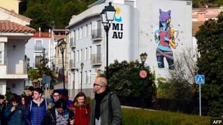 Fanzara: Street art revives divided Spanish village