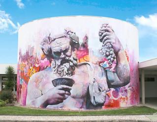 Glòria Tello conecta la Ciudad del Artista Fallero y Fanzara con un mural de PichiAvo
