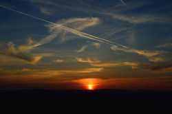 057/365 Contrail sunset