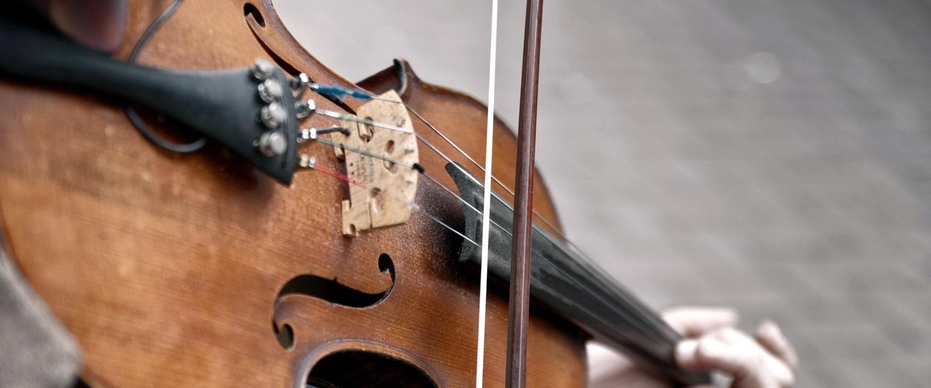 Music rythms on violin