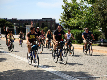 Discover amazing spots of interest, on bikes in Athens
