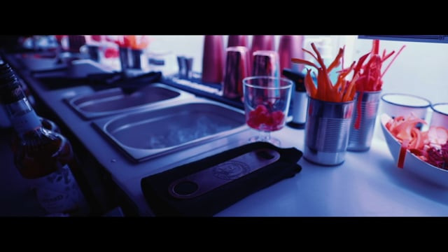 Mobile Cocktailbar Cocktail Workshop Catering für Firmenevents Cocktailbar Hochzeitscatering Teamevents Ideen Cocktailmixkurs Bartender Starter Cocktailbox Online Cocktail Workshop Bar Coaching