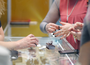 6 Do's and Don'ts of Shopping for an Engagement Ring
