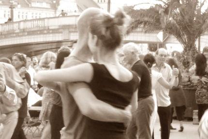 Tangokolumne Letzte Tanda von Lea Martin