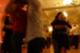Tango eng oder offen tanzen
