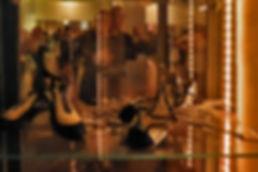 Tangokolumne Barfus oder Glitzerschuhe von Lea Martin