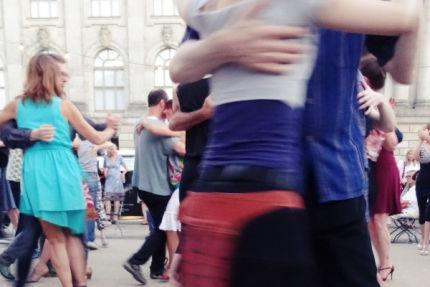 Tangokolumne Unter allen Tangueros von Lea Martin, Berlin