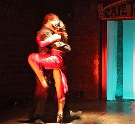 Spendenaufrufe für den Tango in Berlin