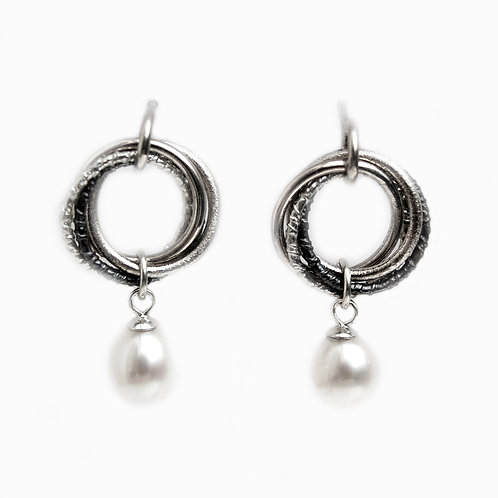 Russian hoop earrings with pearl drop