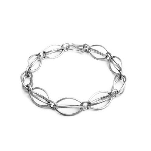 Acorn linear bracelet