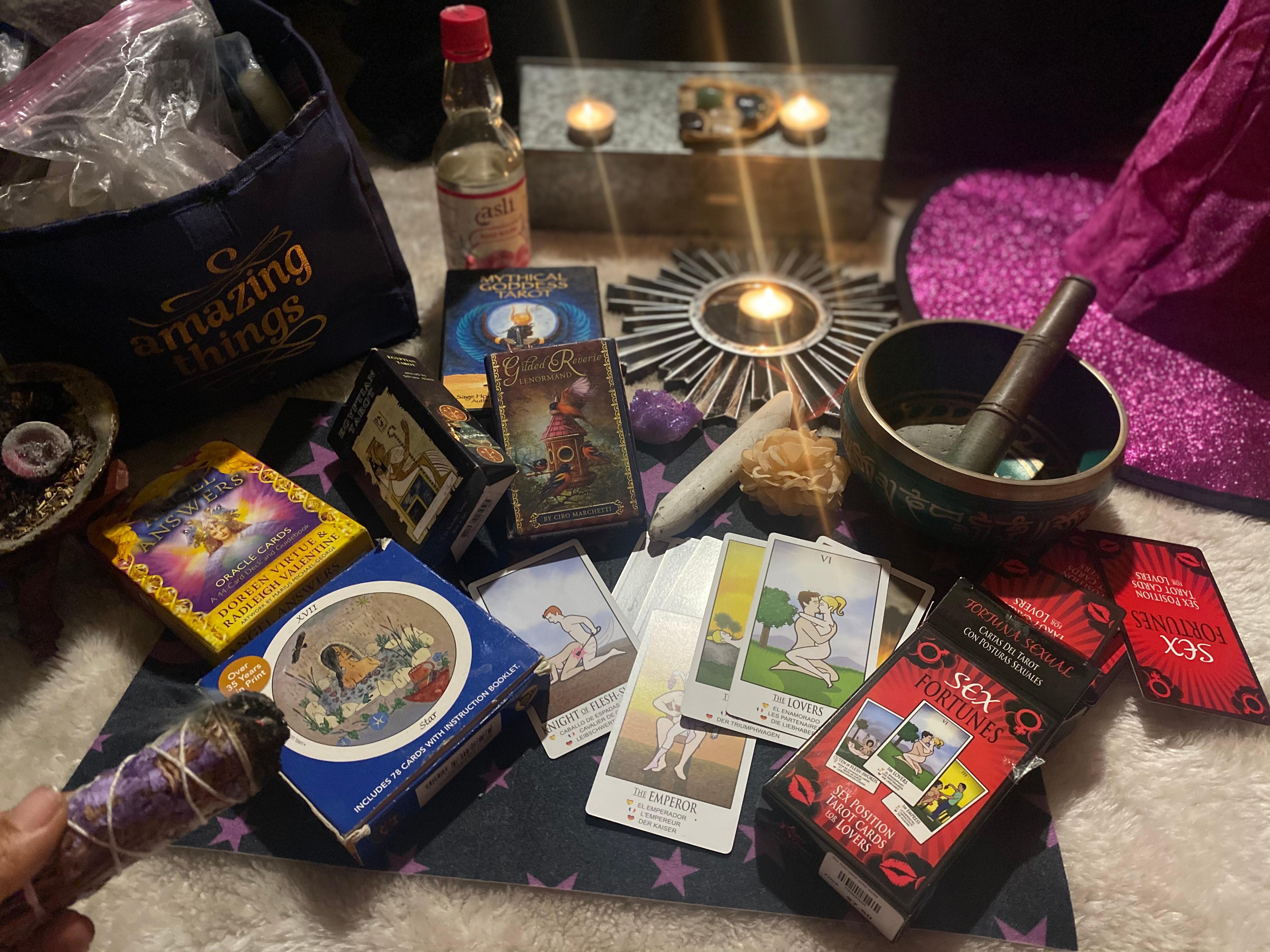 Tarot Reading/ Consultation