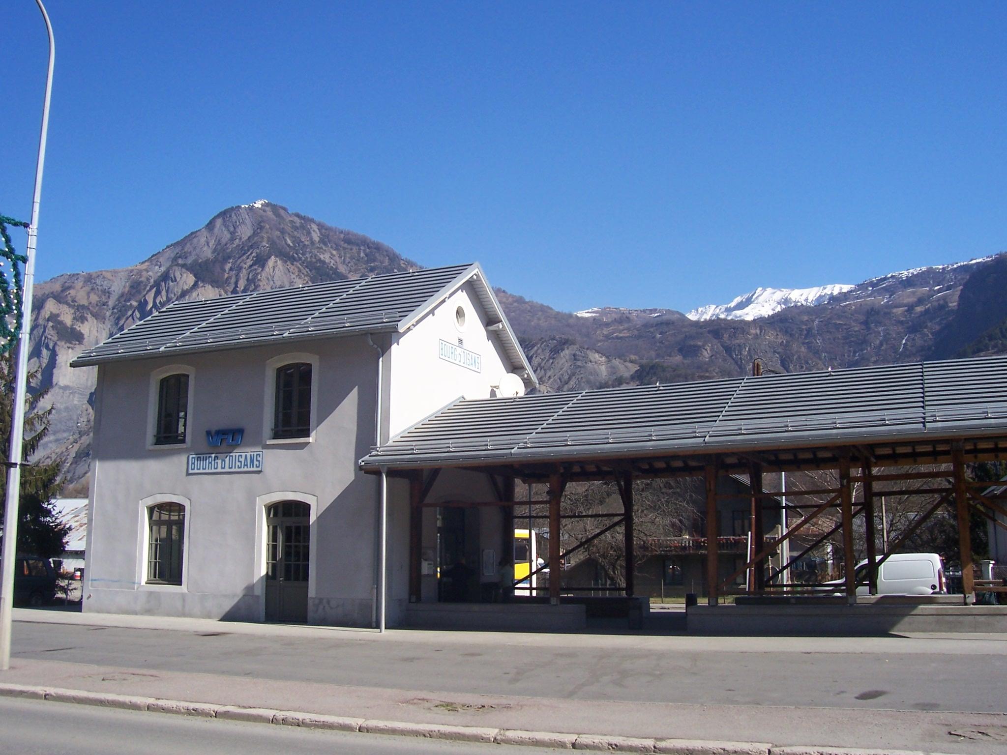 gare bourg doisans4