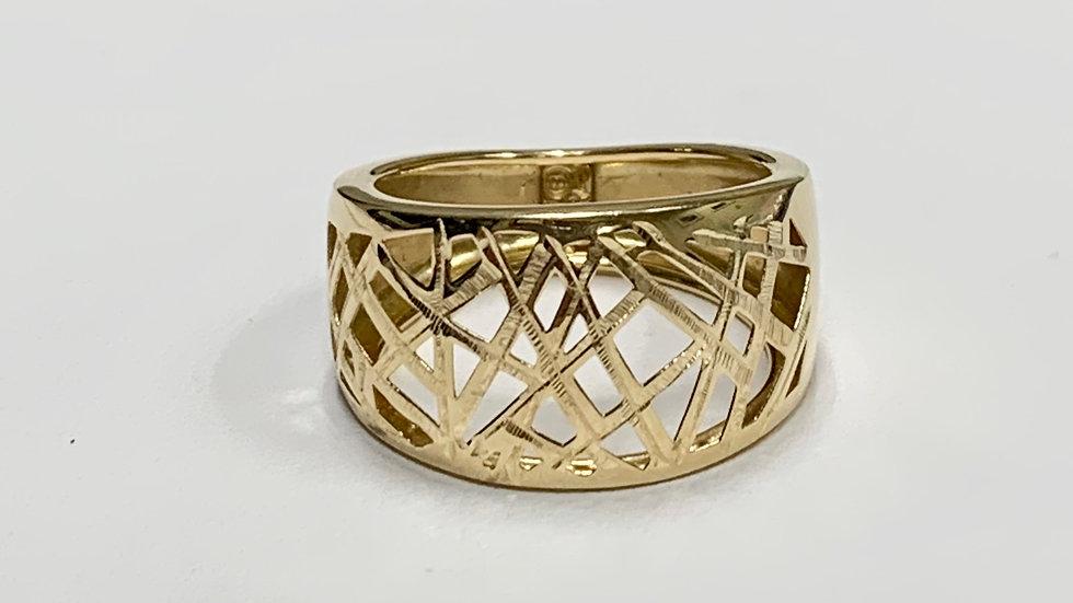 Yellow Gold Criss Cross Hay Needle Ring