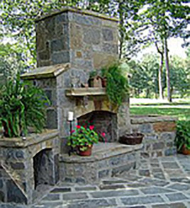 Outdoor-Fireplaces.jpg