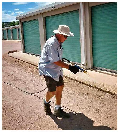 weed-spraying-pueblo-colorado.jpg