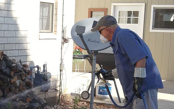falo-spray1-600W.jpg