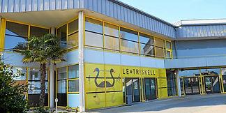 sur-la-facade-du-triskell-a-pont-l-abbe-