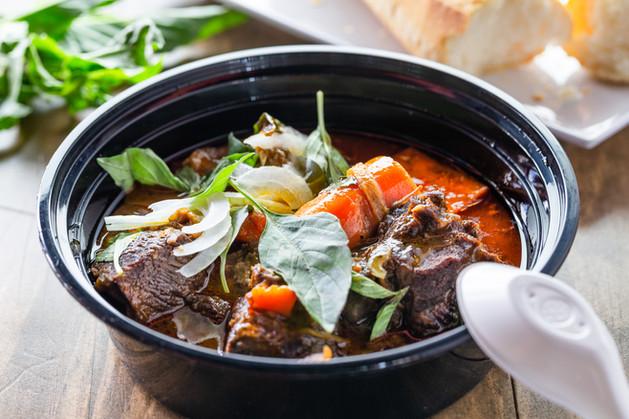 Vietnamese Beef Stew with Baguette.jpg