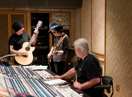"Joe Satriani & Glenn Hughes - Recording Joe Satriani's new record ""What Happens Next&qu"