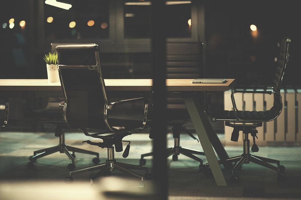 empty-modern-office-PZTXS7Y.jpg