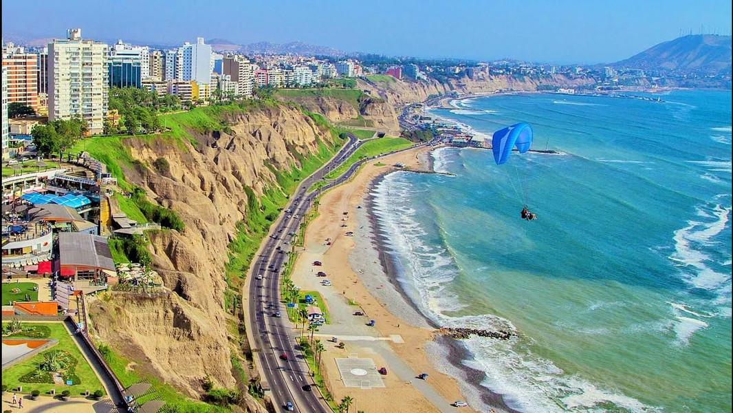 Lima Peru Paragliding.jpg