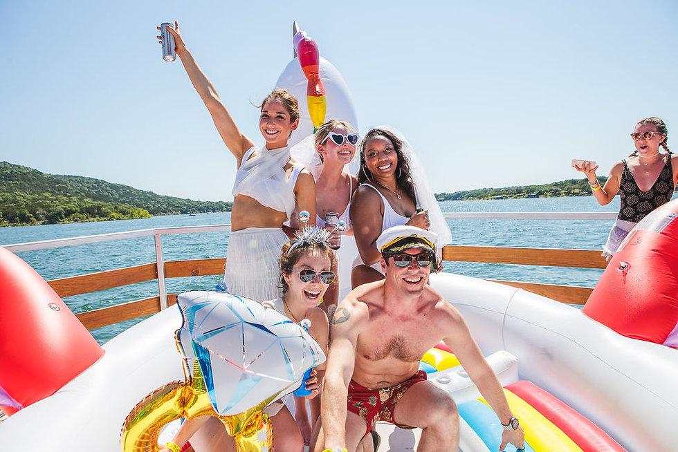 bachelorette party boat lake travis