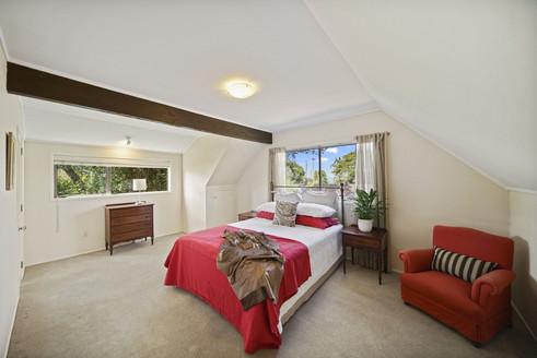 Classic bedroom1