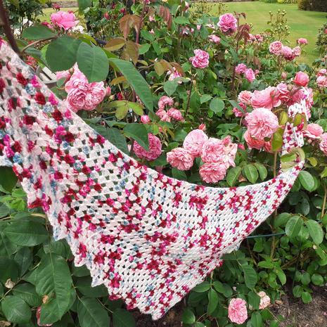 Rambling Roses Shawl (crochet)