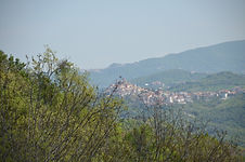 Historical Casoli is only 10 minutes away.