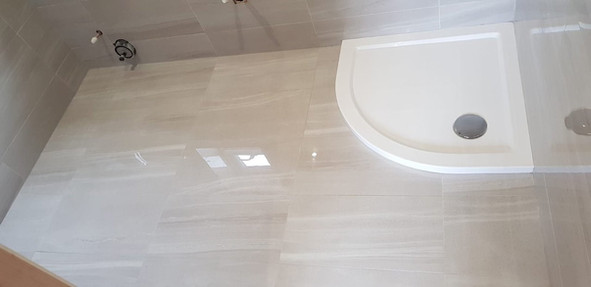 Bathroom Curved Tiling