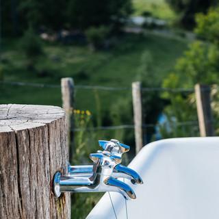 Outdoor bath - Kowhai Retreat