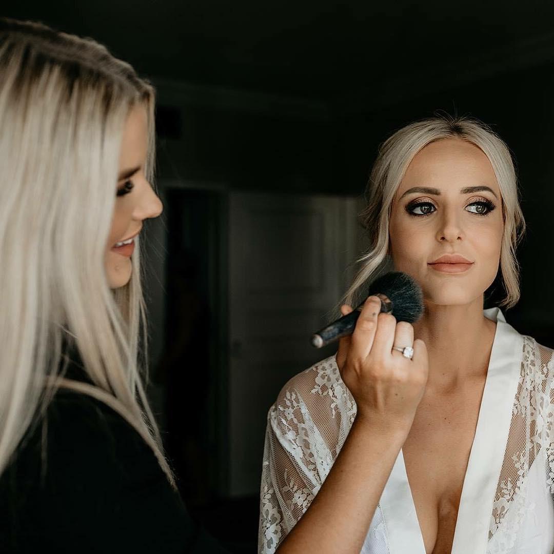 www.makeupbycecilia.com