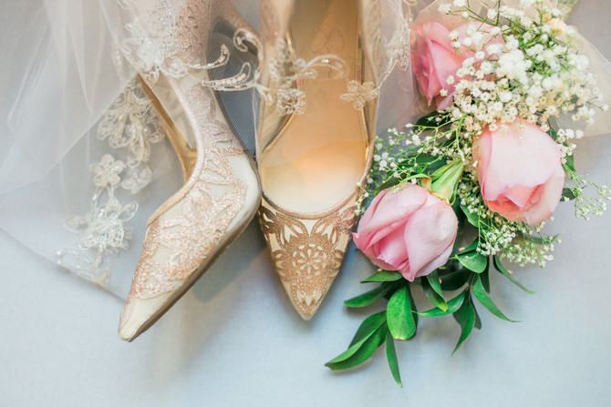 Forget the dress, let's talk about shoes!