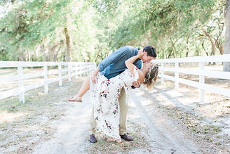 Chandler Oaks Barn Wedding & Engagement Photographer