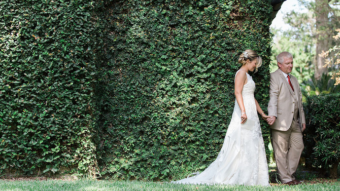 How to Incorporate a First-look on Your Wedding Day