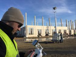 Dreh mit Drohne auf Baustelle